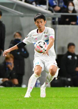 サガン鳥栖、MF高橋秀人選手が横浜FCに完全移籍