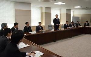 2月定例県議会に提案する新年度当初予算案について協議した県政策調整会議=佐賀県庁