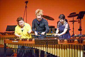 昨年10月、佐賀市の県立美術館ホールで開いたコンサートの様子(提供写真)