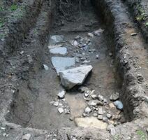 長浜城跡から見つかった、羽柴(豊臣)秀吉が城主だった時期に造られた可能性がある石垣の一部=滋賀県長浜市