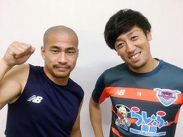 吉田豊選手(左)と高橋義希選手が生放送で質問に回答します