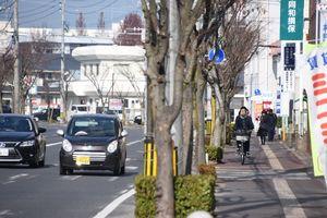 佐賀市が再整備するJR佐賀駅北側の市道三溝線。県アリーナへのアクセス道になる=佐賀市駅前中央