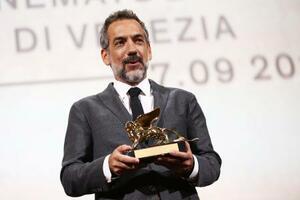 第76回ベネチア国際映画祭で金獅子賞を受賞した「ジョーカー」のトッド・フィリップス監督=7日、ベネチア(AP=共同)