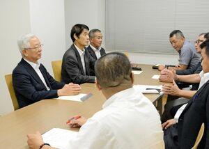 シンポジウムの開催などを決めた佐賀県フル規格促進議員の会役員会=佐賀市大和町のウェルネス大和