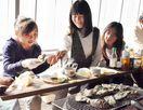 ぷりぷり濃厚!海の恵み楽しむ カキ焼き小屋オープン