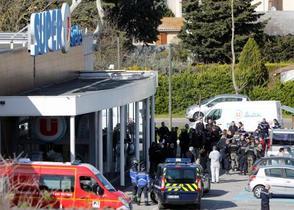 フランス南部で男発砲、3人殺害