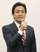 希望の党の共同代表選に立候補し、意気込みを語る玉木雄一郎氏=8日午前、国会