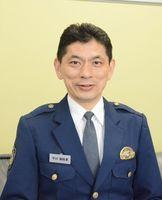 県庁で交通事故抑止に尽力した平川博幸さん=県警察学校