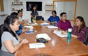 日系の語学学校CNE1の日本語トレーニングセンターで学ぶフィリピン人の生徒たち。日本の地方都市への就職が決まっている=タルラック州サンマニュエル