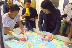 アールテクニカが制作した「砂場マッピング」=佐賀県立博物館