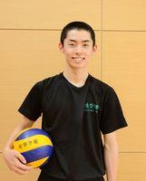 バレーボールのユース日本代表に選出された佐賀学園高の糸山大賀=佐賀市の同校体育館