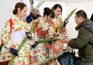 健康長寿祈る「笹酒祭り」、奈良