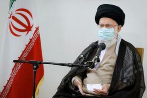 23日、テヘランでの会合で発言するイランの最高指導者ハメネイ師(最高指導者事務所提供、AP=共同)