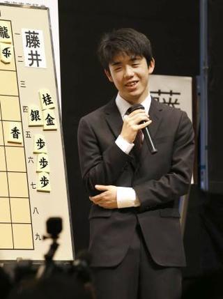 将棋、藤井五段が羽生二冠破る