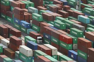 貿易収支、2カ月ぶり赤字