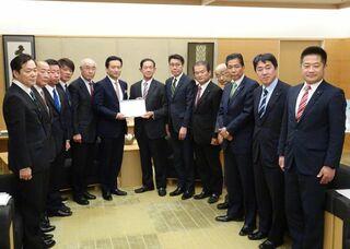 自民県連、佐賀県に道路整備など221項目要望