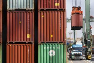 7月貿易収支、2カ月ぶり赤字