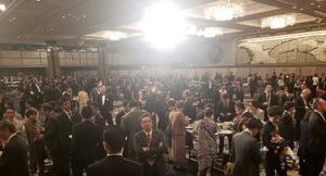4月に開かれた「桜を見る会」前日の夕食会(ケイ潤子さんのブログから)