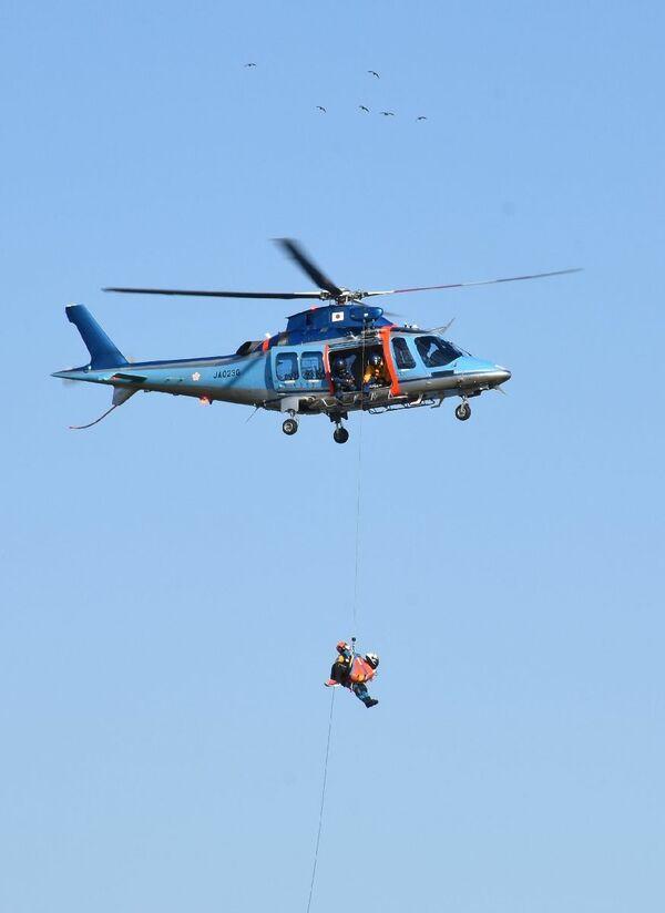 ヘリ 動画 救助 落下 ヘリ救助 で