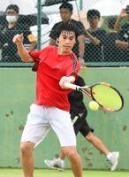 テニス男子シングルスで準優勝した佐賀西の諸隈颯=SAGAサンライズパーク庭球場
