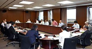 県が策定した再犯防止推進計画を踏まえた取り組みを確認した協議会=佐賀県庁