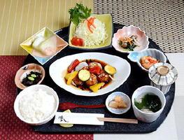 「豚八ランチ」1000円+税