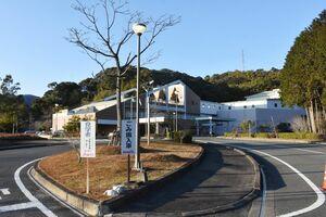 佐賀県東部環境施設組合が使用延長を申し入れた鳥栖・三養基西部リサイクルプラザ=三養基郡みやき町