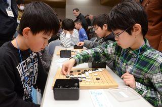 嬉野ジュニア囲碁大会 棋士70人競技堪能