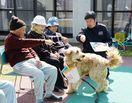 佐賀市出身の岡さん、セラピー犬で被災地に笑顔