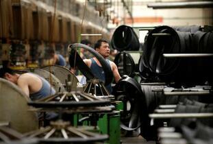 中国、工業生産低迷続く