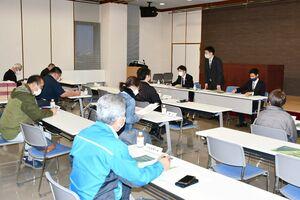 JA杯佐賀新聞学童オリンピックの新年度の日程などを確認した代表者会議=佐賀市の佐賀新聞社