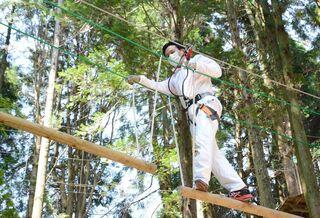 山口知事が吉野ヶ里町のアスレチック施設体験 「新しい観光様式」提案へ