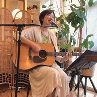 シンガーソングライターの相川理沙さん
