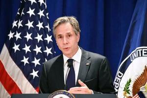 記者会見するブリンケン米国務長官=23日、ニューヨーク(共同)