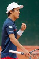 テニス、西岡が2年連続初戦突破