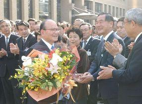 井本勇元知事死去 県庁人生56年…