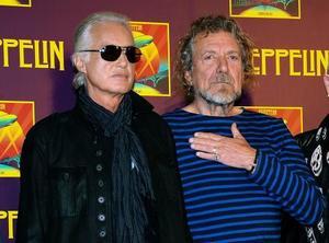 レッド・ツェッペリンのジミー・ペイジさん(左)とロバート・プラントさん=2012年10月、ニューヨーク(AP=共同)