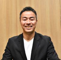 エリアマネジャーの竹岡和宏さん=佐賀市の佐賀新聞社
