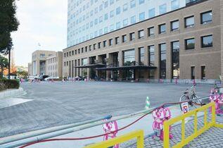 県庁北側に大型バス駐車場