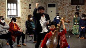 3月に上演した「見えない演劇」の公演風景(提供写真)