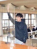 結団式で宣誓する主将の宮﨑亮治さん=嬉野市中央公民館