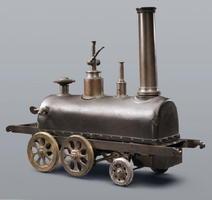 精煉方で製造された「蒸気車雛(ひな)形」。ボイラーが搭載されており、実際に動いた(公益財団法人鍋島報效会所蔵)
