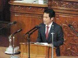代表質問で安倍首相の政権運営をただす民進党の大串博志政調会長=衆院本会議場