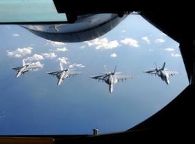 米海軍「UFO目撃なら報告を」