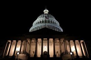 米、4年ぶり政府機関の閉鎖