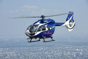 佐賀県の消防防災ヘリコプターに採用された川崎重工業製の「BK117D-2型」(県提供)