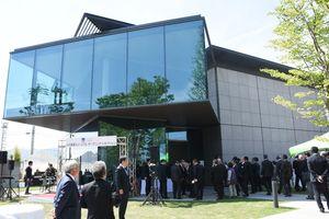 オープニングレセプションが開かれた久光製薬ミュージアム=鳥栖市田代大官町