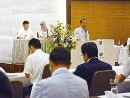 本年度事業や新役員などを決めた全労済佐賀県本部の代表者会議