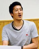 夢を持つことの大切さを訴えた医師の吉田翔さん=佐賀市の佐賀市商工ビル
