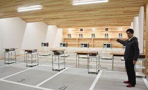 移転したSAGAサンライズパークエアーライフル射撃場。ビームライフルとエアーライフルの射場が13カ所ずつになった=佐賀市若宮